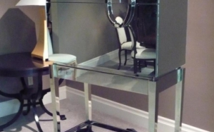 Mirrored Bar service unit
